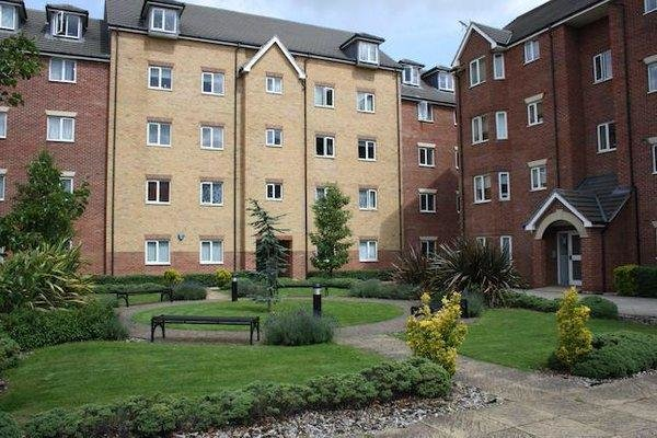 Best 2 Bedroom Flat To Rent In London Road Romford Essex Rm7 With Pictures