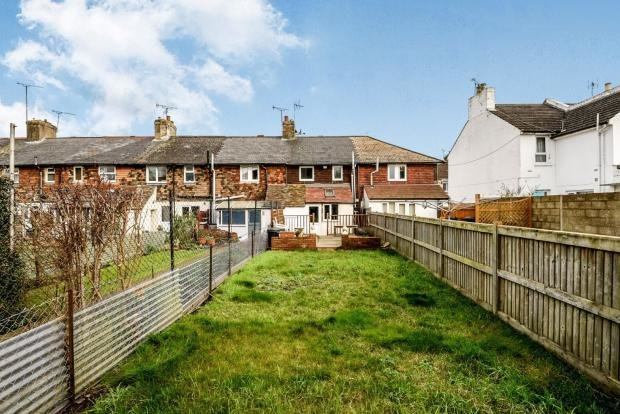 Best 2 Bedroom Terraced House For Sale In Hythe Road Ashford Kent Tn24 With Pictures