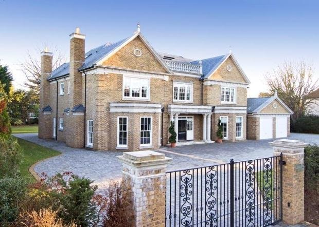 Best 6 Bedroom House For Sale In Sunnydale Farnborough Park With Pictures