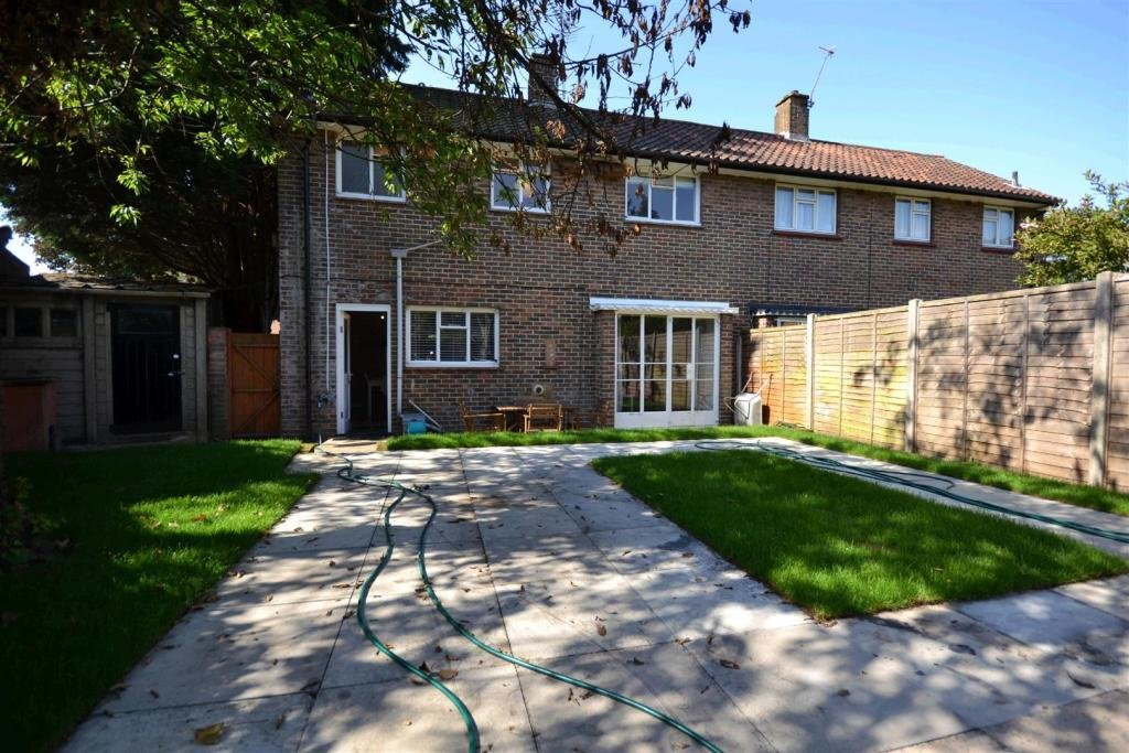 Best 2 Bedroom House To Rent In Chester Road Wimbledon Sw19 With Pictures