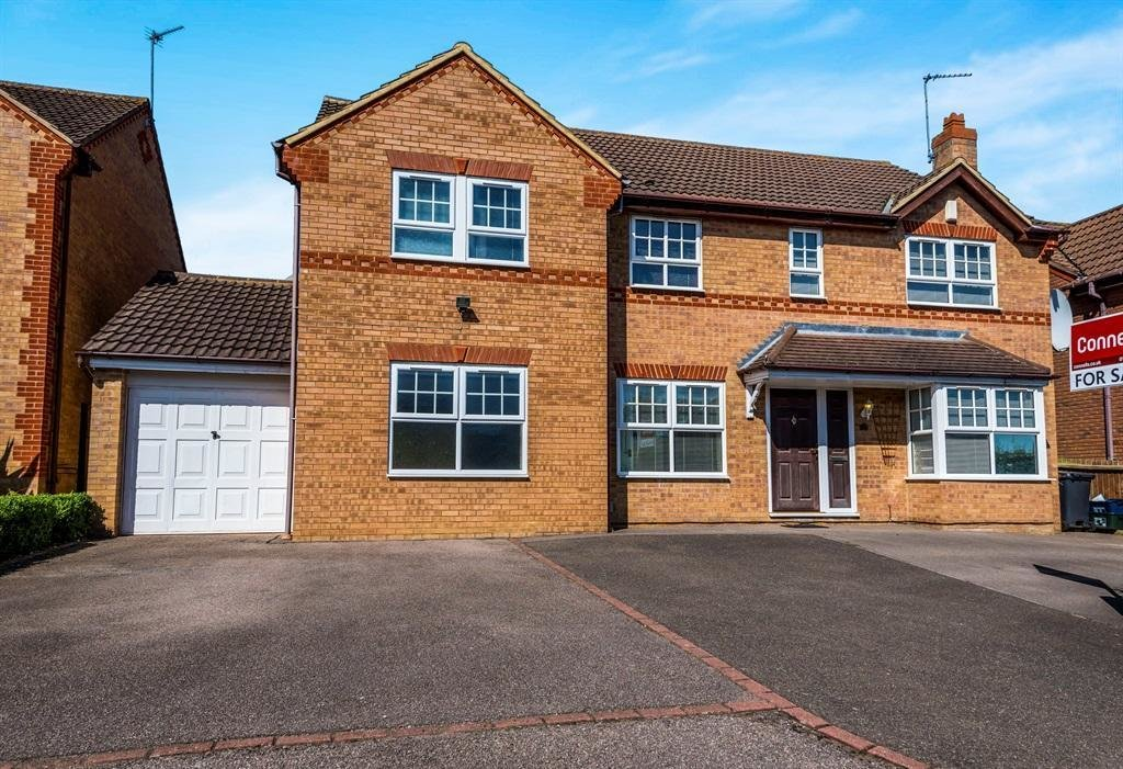 Best 5 Bedroom Detached House For Sale In Honeysuckle Way With Pictures