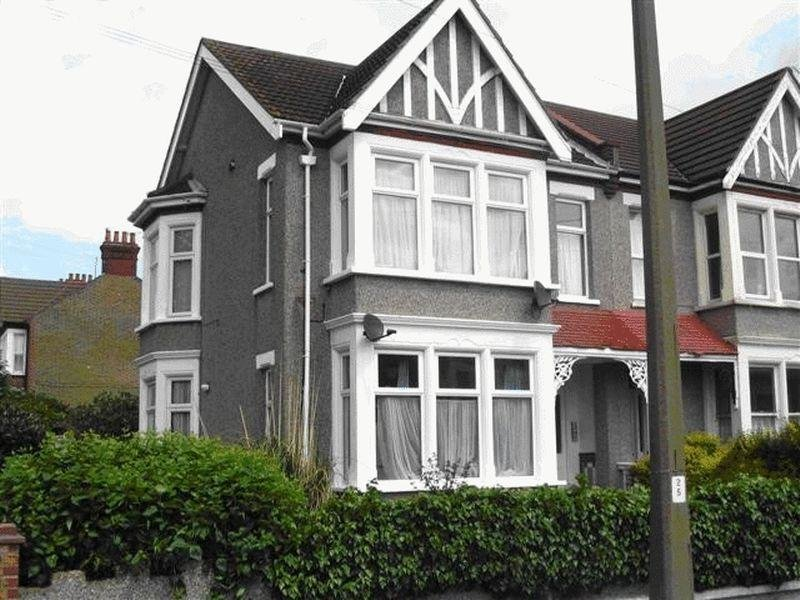 Best 1 Bedroom Flat To Rent In York Road Southend On Sea Ss1 With Pictures