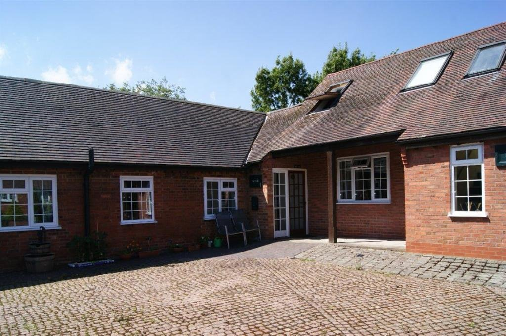 Best 2 Bedroom Bungalow To Rent In The Watling Nettle Hill With Pictures