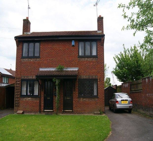 Best 2 Bedroom Semi Detached House To Rent In Orford Rise With Pictures