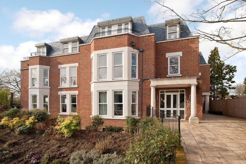 Best 2 Bedroom Flat For Sale In Cheltonian Place Portsmouth With Pictures