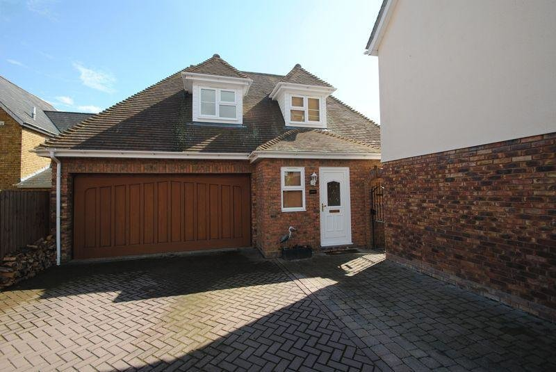 Best 5 Bedroom Detached House For Sale In Plus A Two Bedroom With Pictures