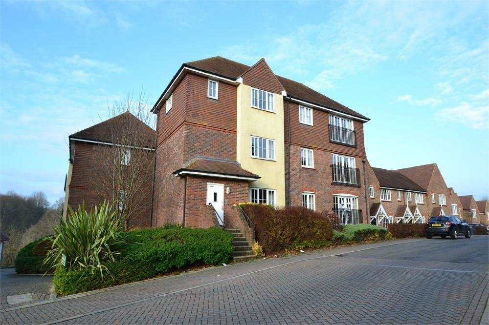 Best 2 Bedroom Apartment To Rent In Haywards Heath West Sussex With Pictures