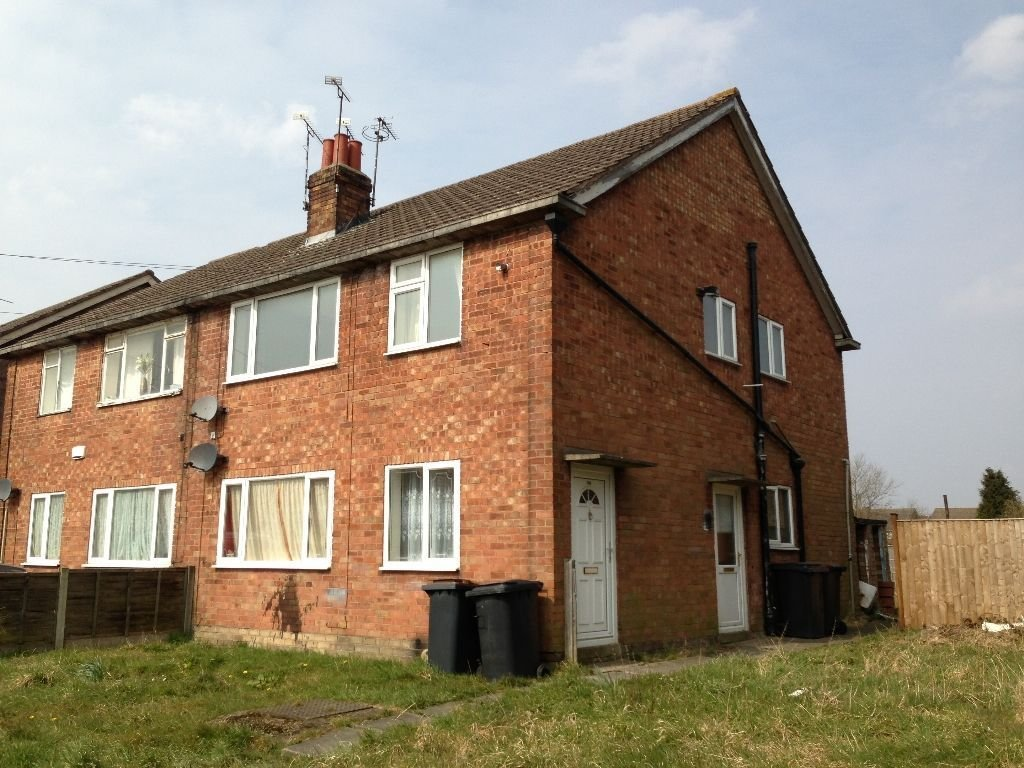 Best 2 Bedroom Maisonette To Rent In Tudor Road Nuneaton Cv10 With Pictures