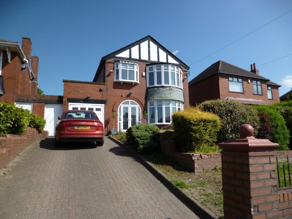 Best 3 Bedroom Detached House For Sale In Broadway Chadderton With Pictures