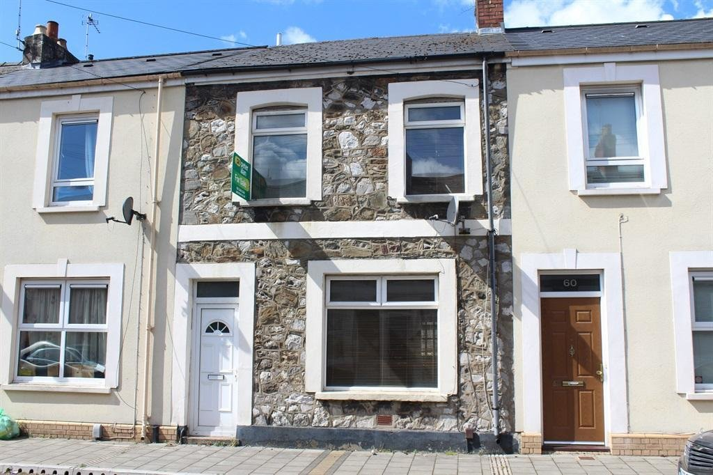 Best 2 Bedroom Terraced House For Sale In System Street With Pictures
