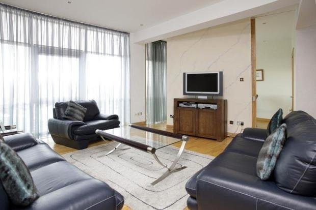 Best 3 Bedroom Flat For Sale In 12 1 Fleming House Renfrew With Pictures
