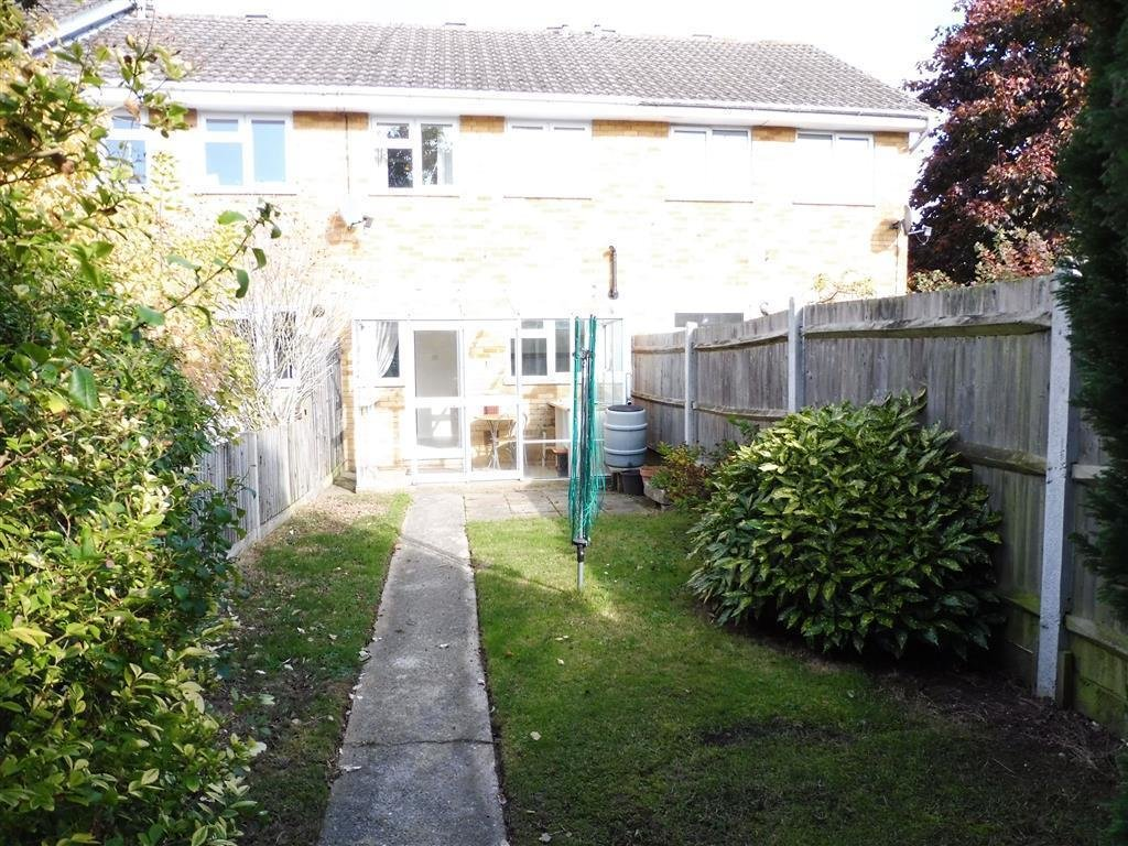 Best 2 Bedroom House To Rent In Bargrove Road Vinters Park With Pictures