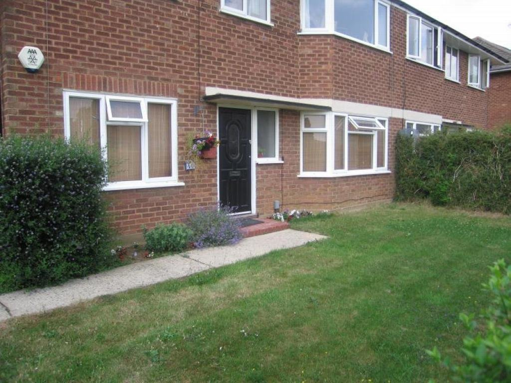 Best 2 Bedroom House To Rent In Old Dean Bovingdon Hemel With Pictures