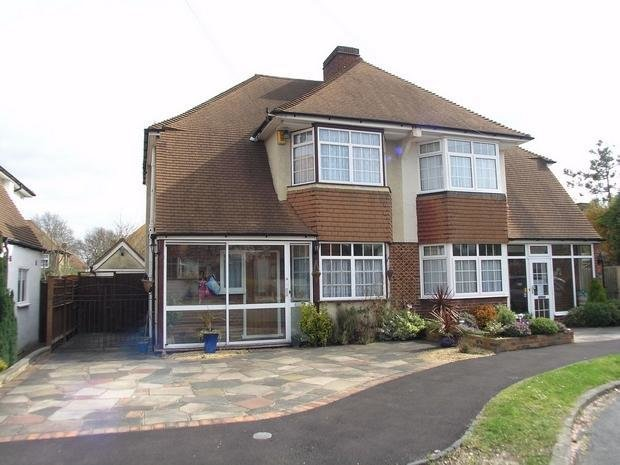 Best 3 Bedroom Semi Detached House For Sale In The Grange Shirley Croydon Cr0 With Pictures