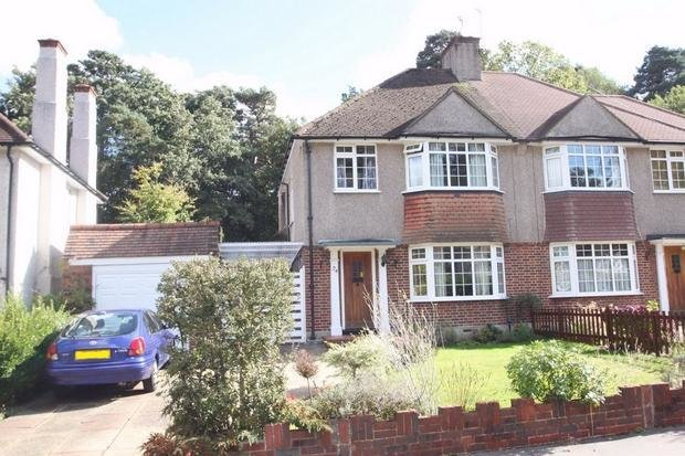 Best 3 Bedroom Semi Detached House For Sale In Pinewood Close Shirley Croydon Surrey Cr0 With Pictures