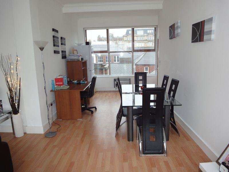 Best 1 Bedroom Apartment For Sale In Crichton House Mount With Pictures