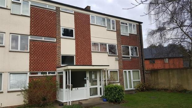 Best 2 Bedroom Flat To Rent In Cliftonville Court Northampton Nn1 With Pictures