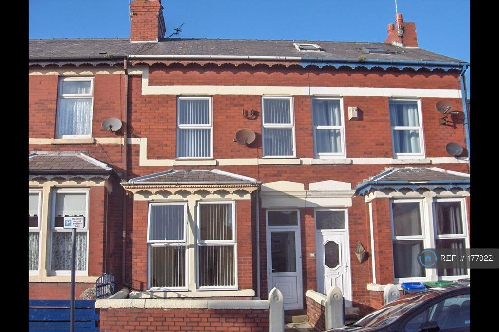 Best 2 Bedroom Terraced House To Rent In Charles St Blackpool Fy1 Fy1 With Pictures