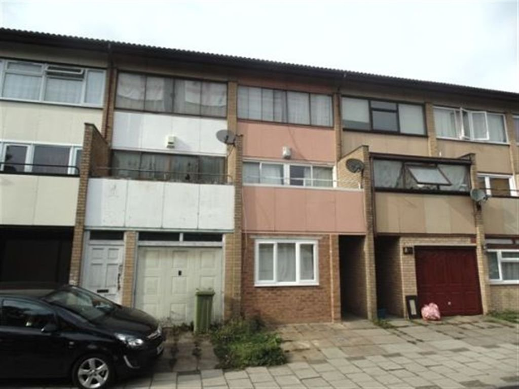 Best 4 Bedroom Terraced House To Rent In Gurnards Avenue With Pictures