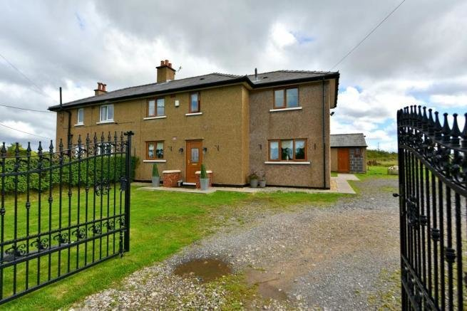 Best 4 Bedroom Semi Detached House For Sale In Council House With Pictures