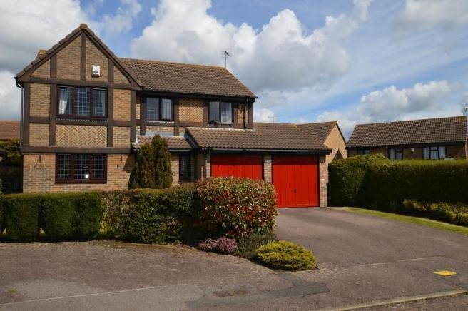 Best 4 Bedroom Detached House For Sale In Dalton Close Luton With Pictures