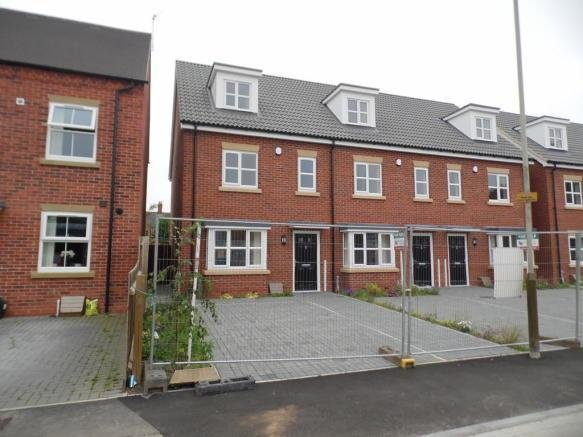 Best 3 Bedroom Town House To Rent In Disraeli Street Leicester Le2 With Pictures