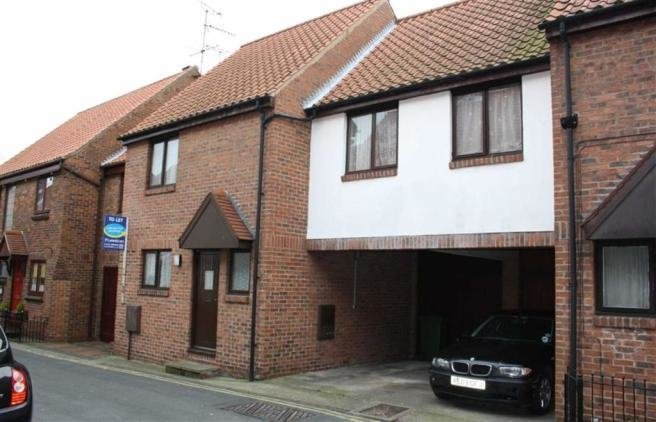 Best 3 Bedroom Town House To Rent In Dog And Duck Lane With Pictures