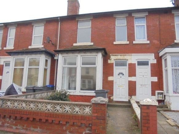 Best 2 Bedroom Terraced House To Rent In Gorton Street Blackpool Fy1 3Hp Fy1 With Pictures