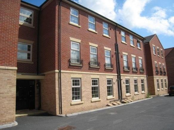 Best 2 Bedroom Flat To Rent In Farnley Road Woodfield With Pictures