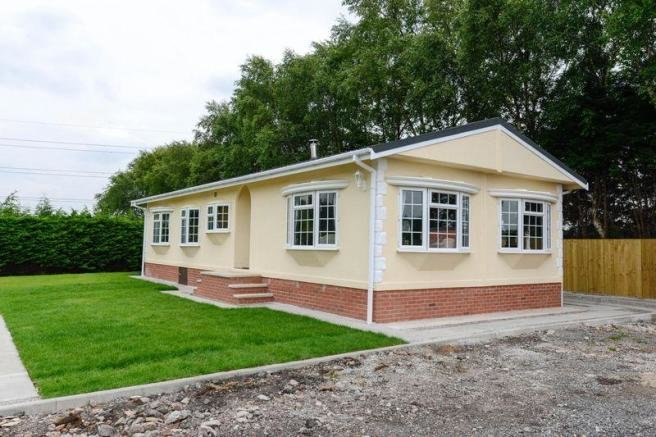 Best 3 Bedroom Chalet For Sale In Sineacre Lane Liverpool L33 With Pictures