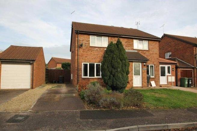 Best 2 Bedroom Semi Detached House To Rent In Scott Close With Pictures