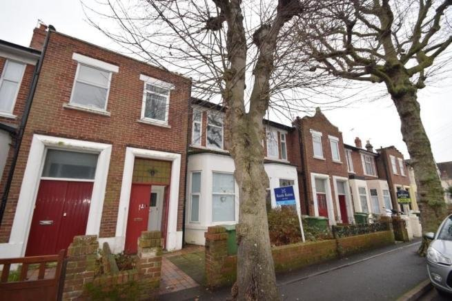 Best 2 Bedroom Flat To Rent In Laburnum Grove Portsmouth Po2 Po2 With Pictures