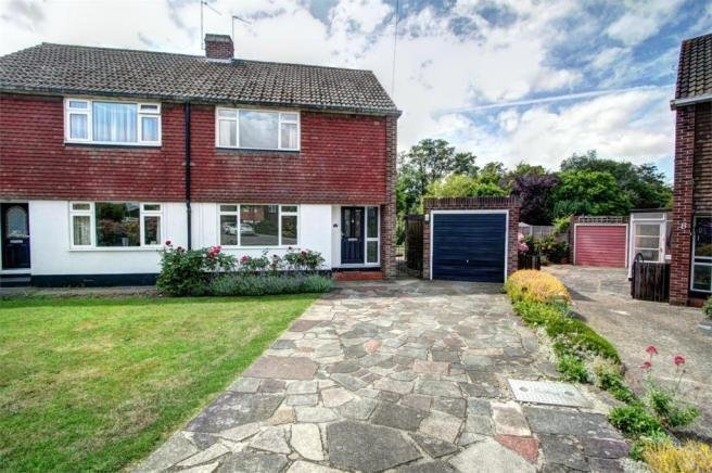 Best 3 Bedroom Semi Detached House To Rent In Barham Close With Pictures