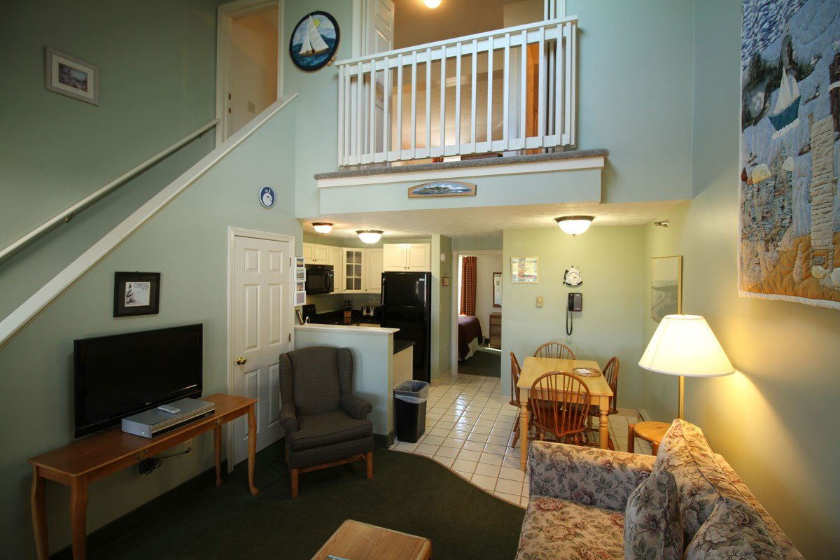 Best Two Bedroom Loft Suites Misty Harbor Resort With Pictures