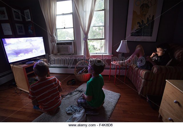 Best Kids Playing Video Games Stock Photos Kids Playing Video With Pictures
