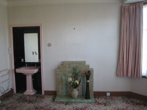 Best Bedroom Dilemma Lose The Sink Fireplace Both Or Neither With Pictures