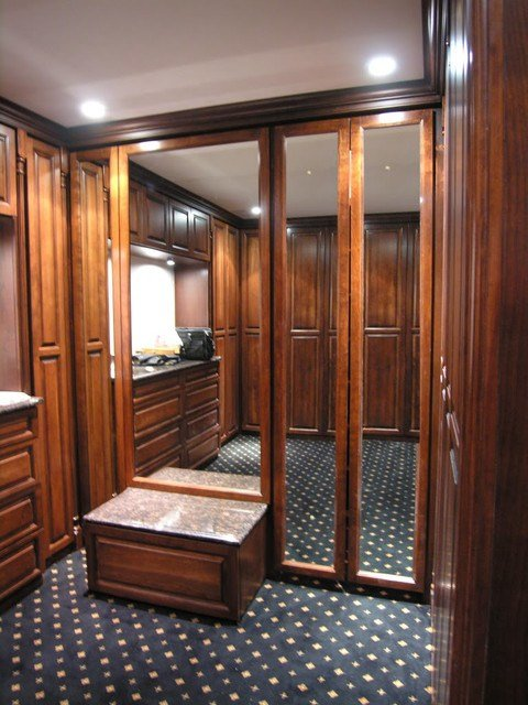 Best Custom Master Bedroom Closets With Pictures
