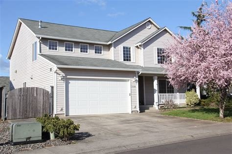 Best Newer 4 Bedroom Home With Beautiful Kitchen Available With Pictures