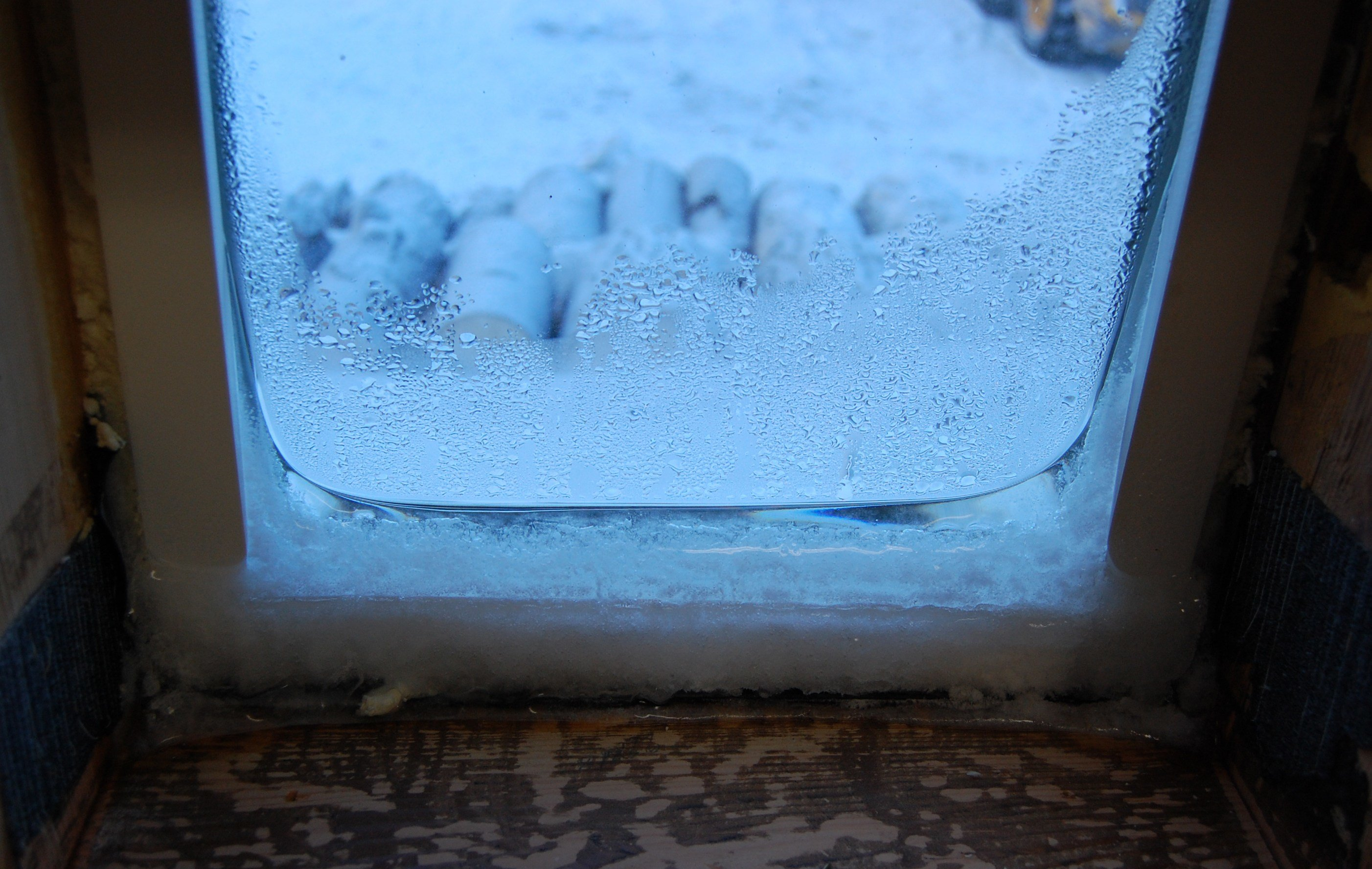 Best How To Stop Condensation On My Bedroom Windows Www With Pictures