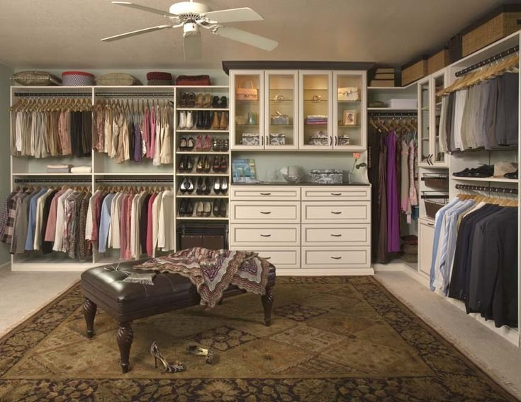 Best Turn A Spare Room Into A Walk In Closet Makeup Closet With Pictures