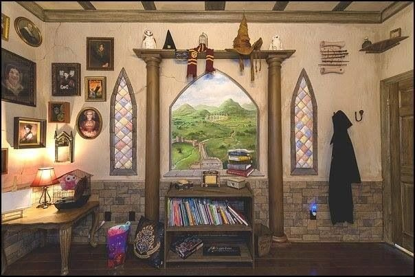 Best Hogwarts Dormitory Themed Bedroom Gryffindor Common With Pictures