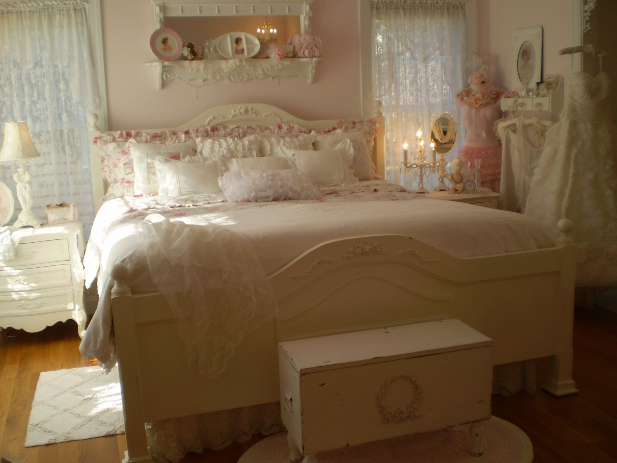 Best Romantic Vintage Bedroom Beatrice Banks Shabby Chic My With Pictures