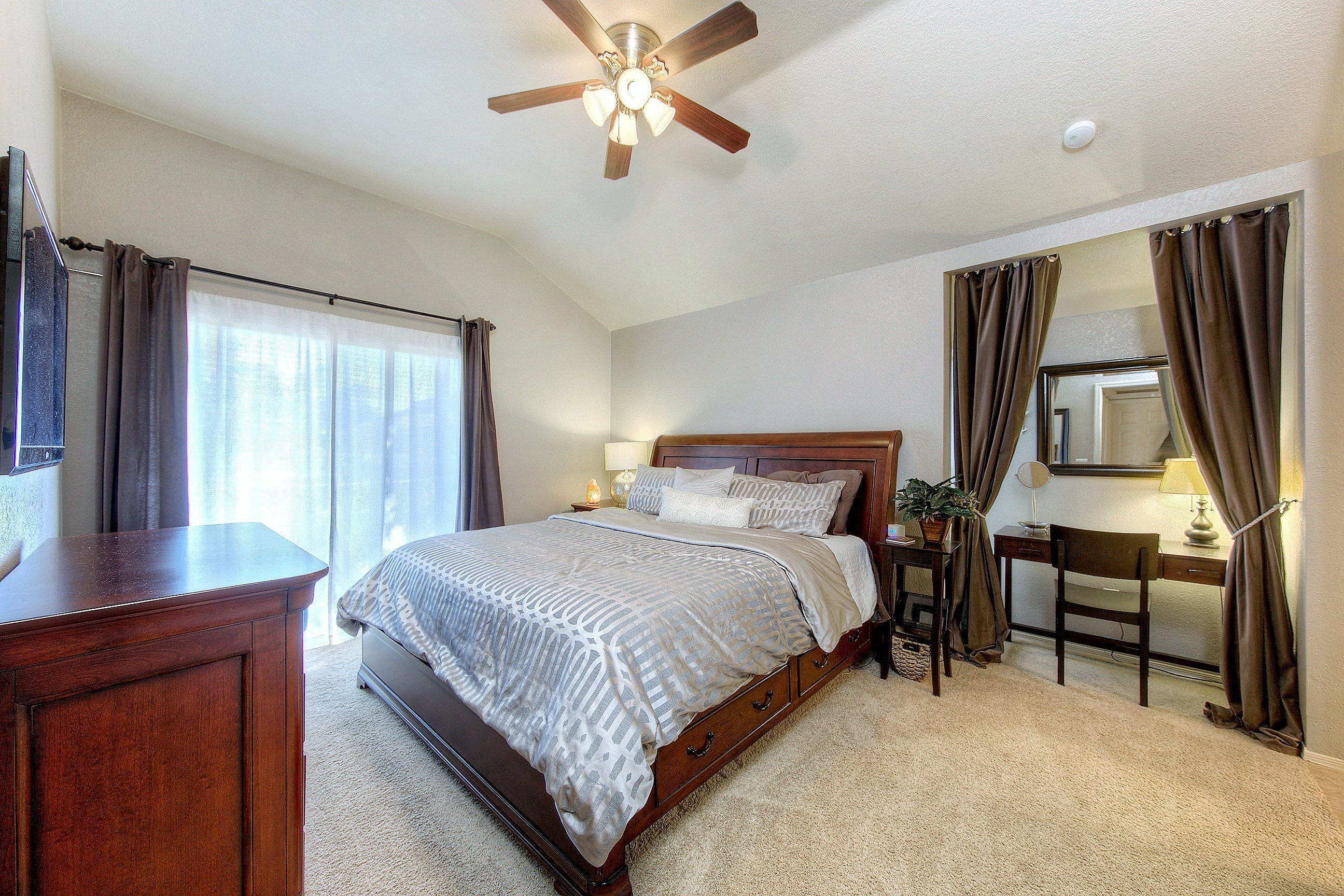 Best 3 Bedroom Condo For Sale In 85202 With Pictures
