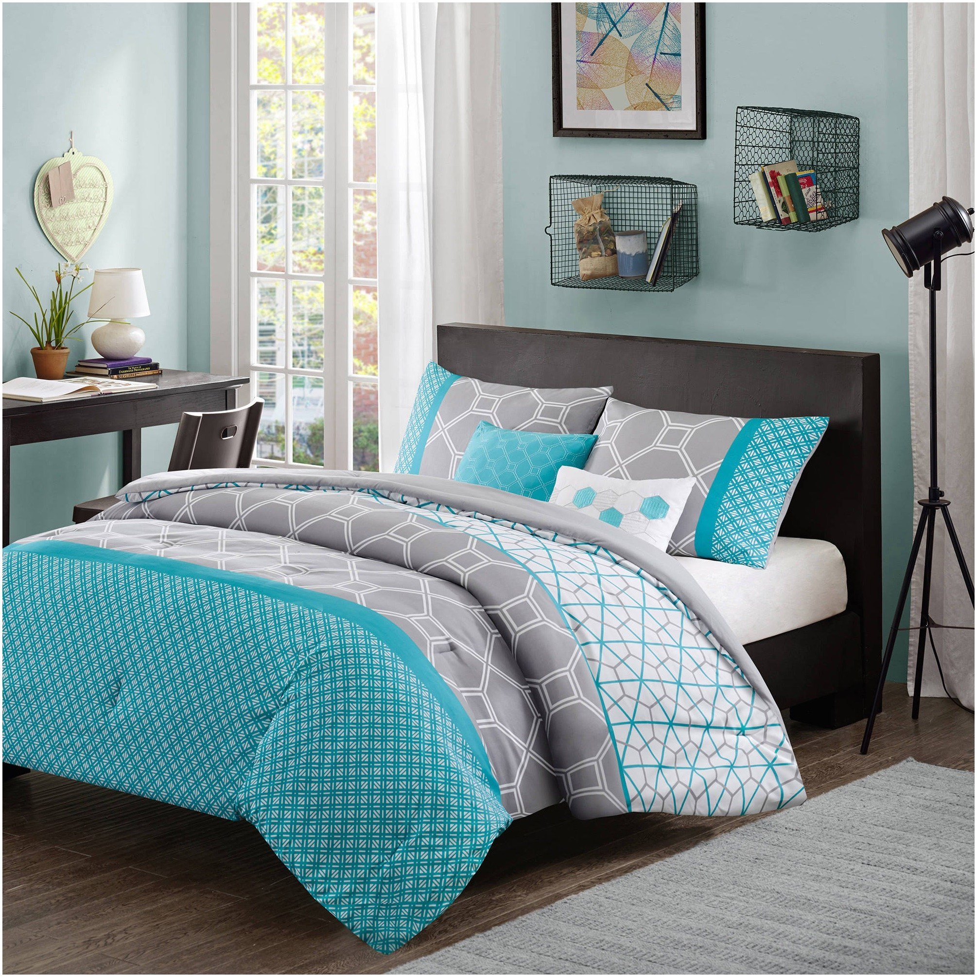 Best Cream And Teal Bedroom White Gold Room Theme Gold Room With Pictures