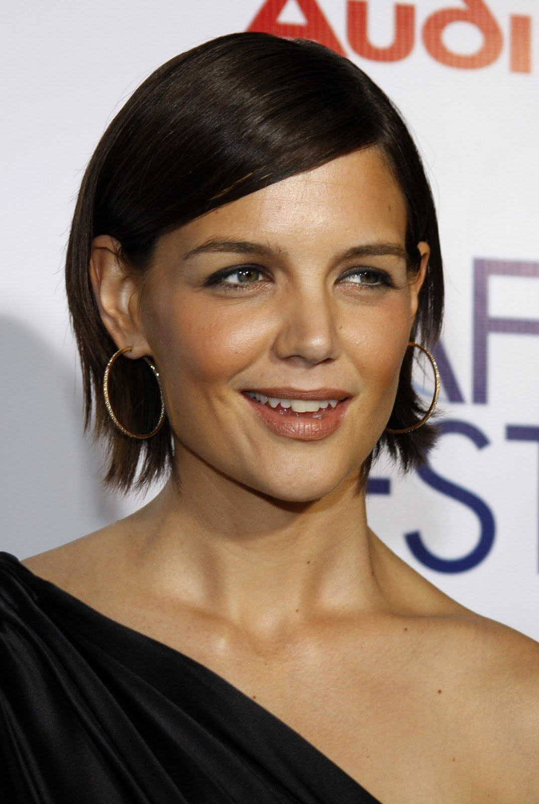 Free Katie Holmes Long And Loose Hairstyles Hairstyles And Wallpaper