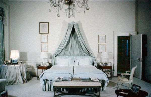 Best Ultimate Jackie Jackie S Whitehouse Bedroom With Pictures