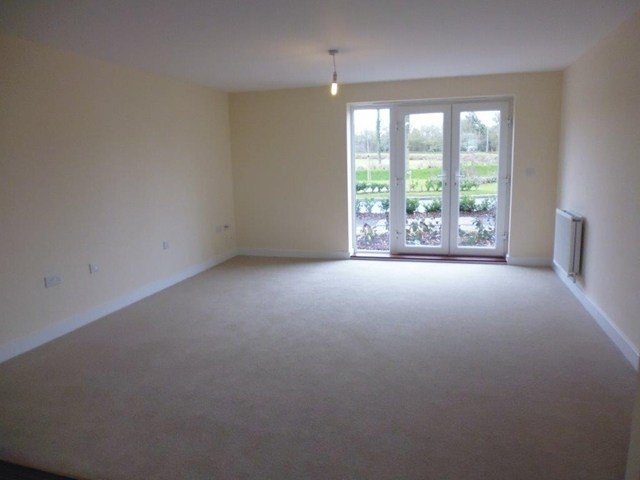 Best 2 Bedroom Apartment To Rent In Addington Avenue Wolverton With Pictures