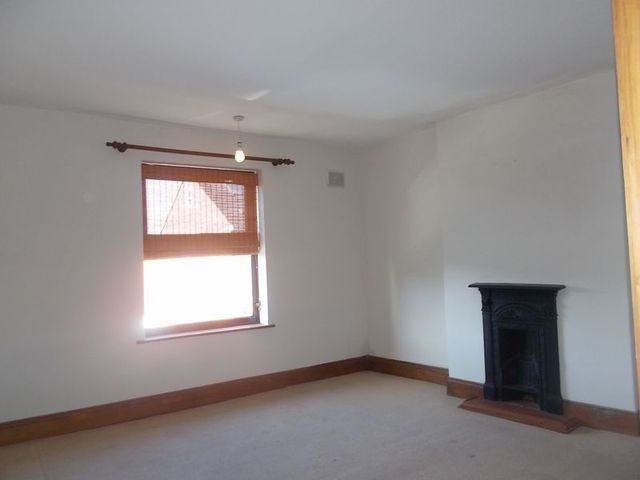 Best 2 Bedroom Terraced House To Rent In Portland Street With Pictures