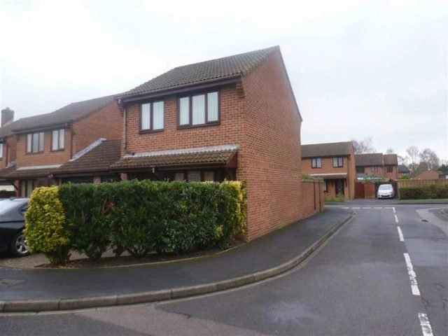 Best 3 Bedroom Detached House For Sale In Benham Drive With Pictures