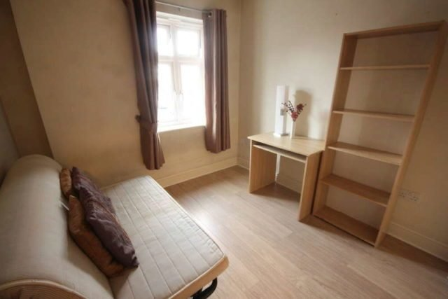 Best 2 Bedroom Flat To Rent In Cambridge Road Norbiton Kingston With Pictures